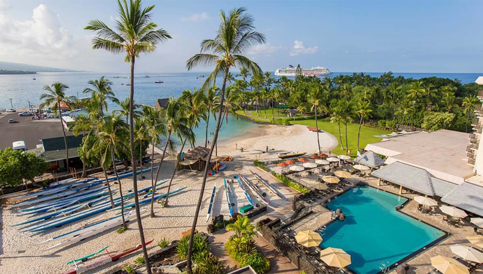 Marriott King Kamehameha's Kona Beach Hotel Pool and Kamakahonu Beach