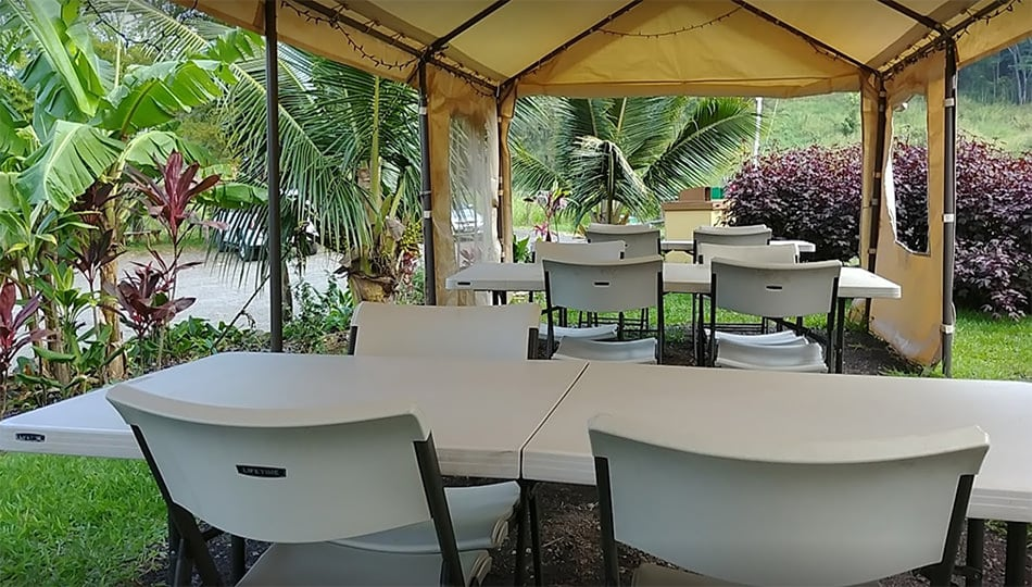 Waipio Cookhouse Covered Outdoor Seating