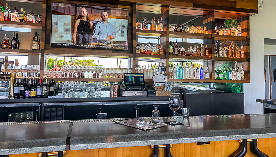 Hula Hulas Restaurant offers a fun and lively bar scene
