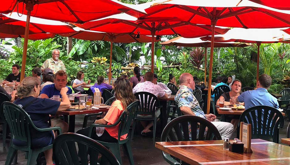 Kona Brewing Company Outdoor Dining at their Kona Restaurant