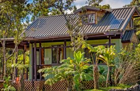 Tiki Tiny House in Volcano Village on the Big Island