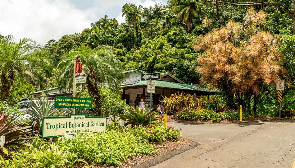 Hawaii Tropical Botanical Garden Sign and Gift Shop
