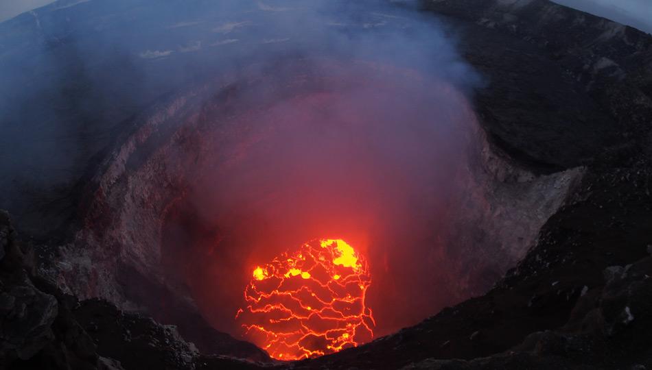 2018 Kilauea Hawaii Volcano Eruption - USGS Photo of the lava lake dropping