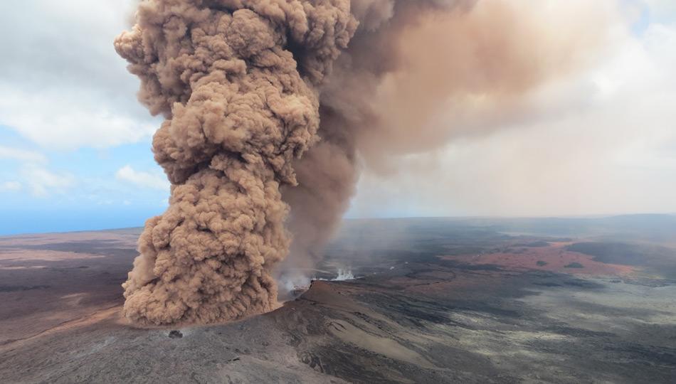 2018 Kilauea Hawaii Volcano Eruption - USGS Photo of Halemaumau explosion